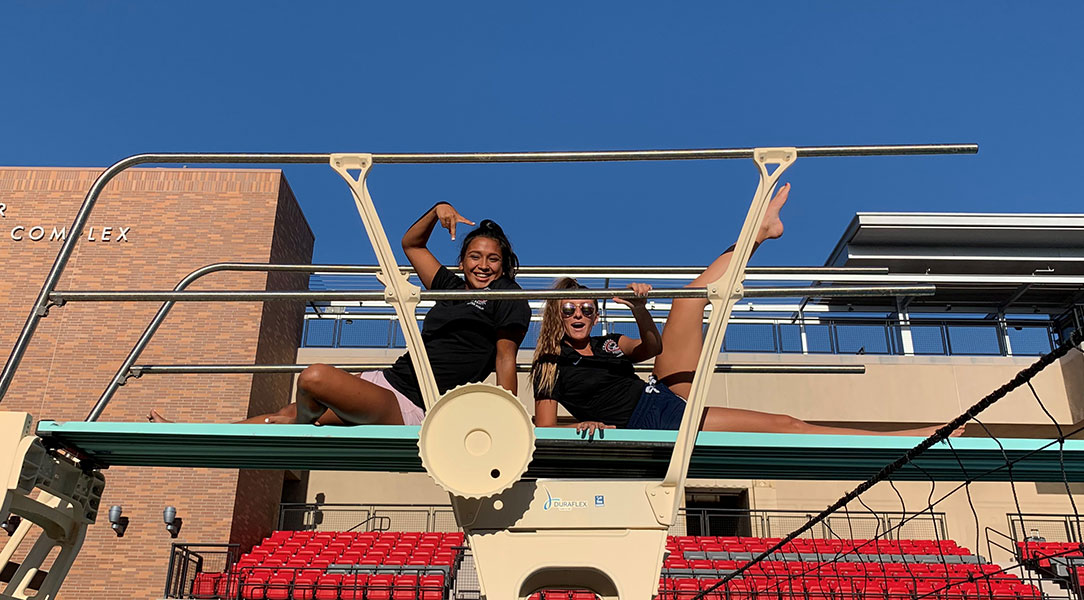 Argelia Diaz and Alyssa Welfringer pose for a photo.