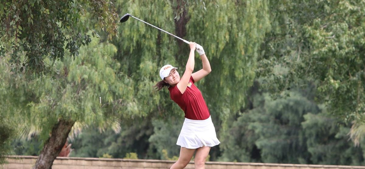 Emma Kang was one of three Athenas to shoot a 75 to help CMS pick up 11 strokes on Redlands (photo by Rachel Roche)