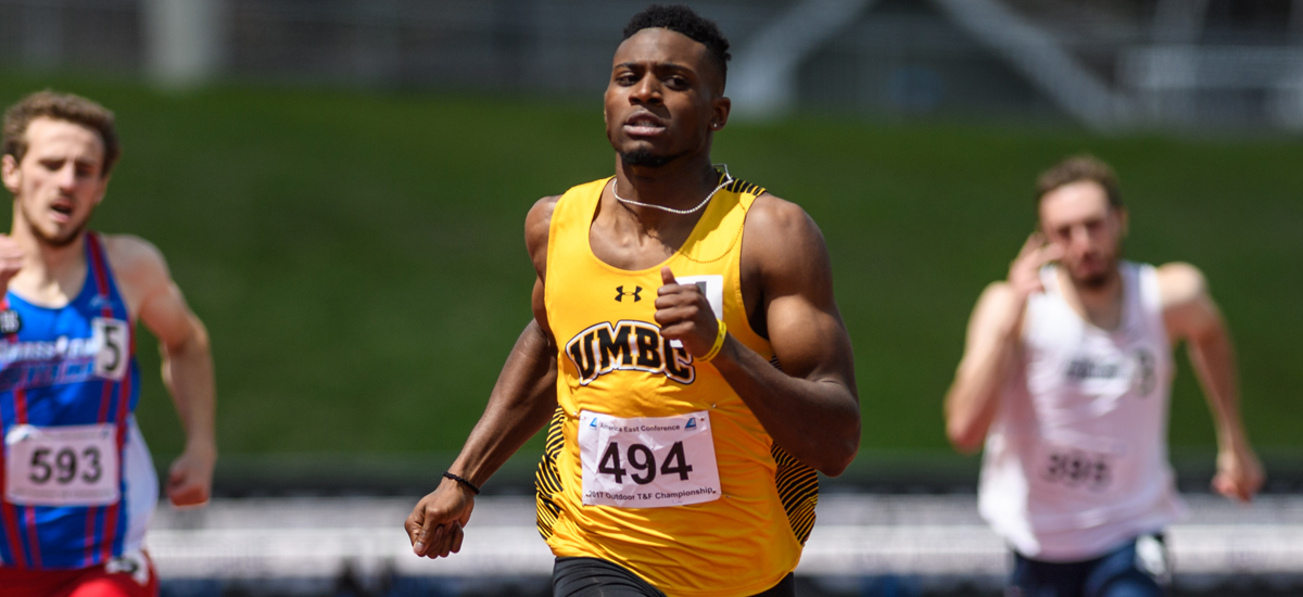 Trio of Retrievers Compete on Day One of NCAA Preliminaries
