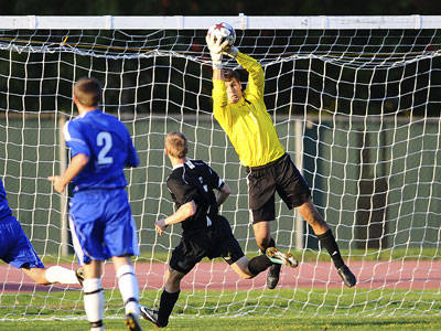 Men's Soccer Plays Bryant to a Draw