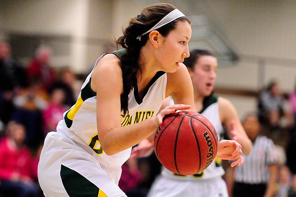 Nichols' 13 leads balanced attack in victory