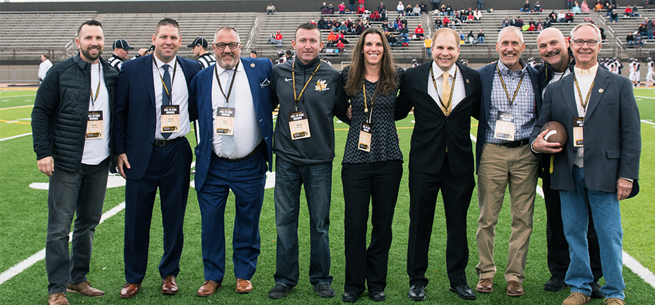 Members of the 2018 Athletic Alumni Hall of Fame Classic (Photo courtesy of Erik Drost)