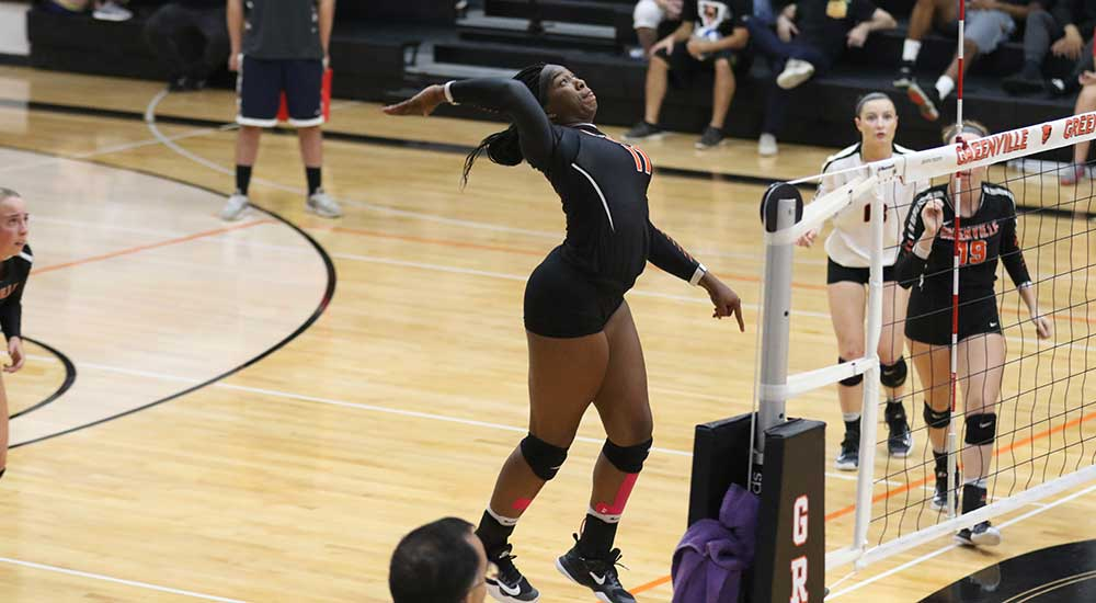 Women's volleyball routs Blackburn 3-0