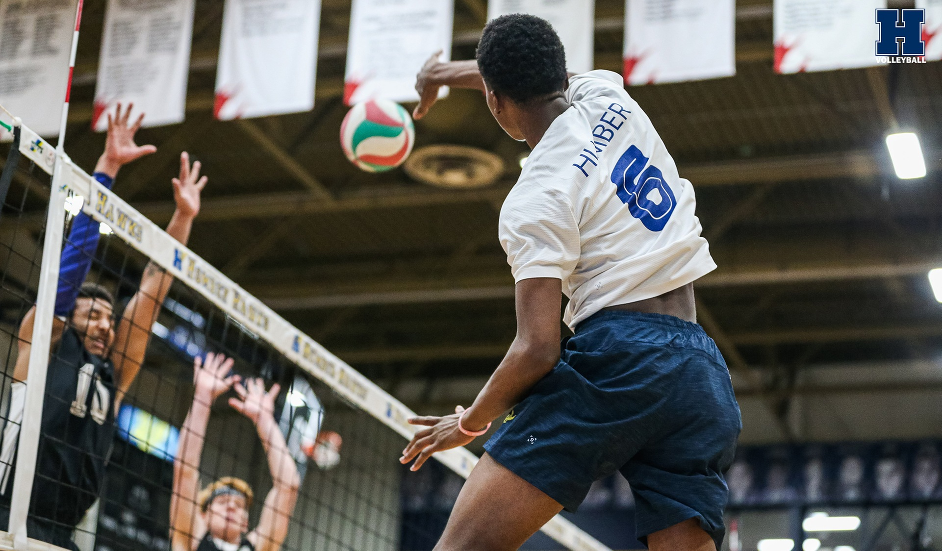 No. 1 Men's Volleyball Downs Boréal, 3-0
