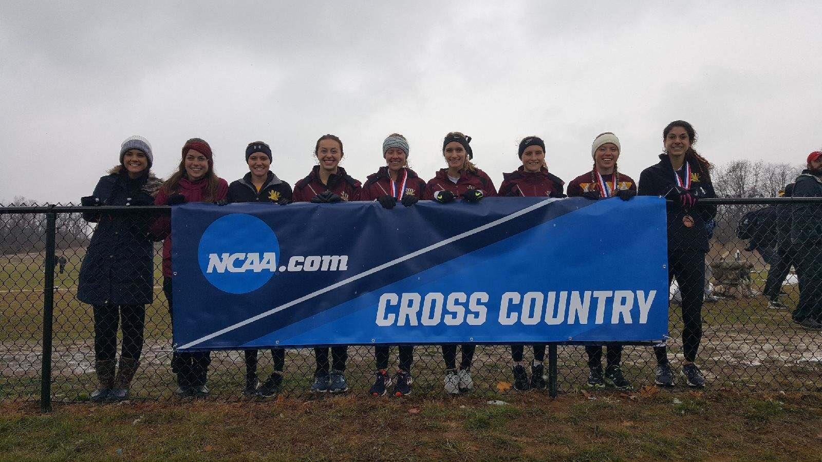 Women's Cross Country Finishes 4th At Midwest Regional, Places 3 On All-Region Team