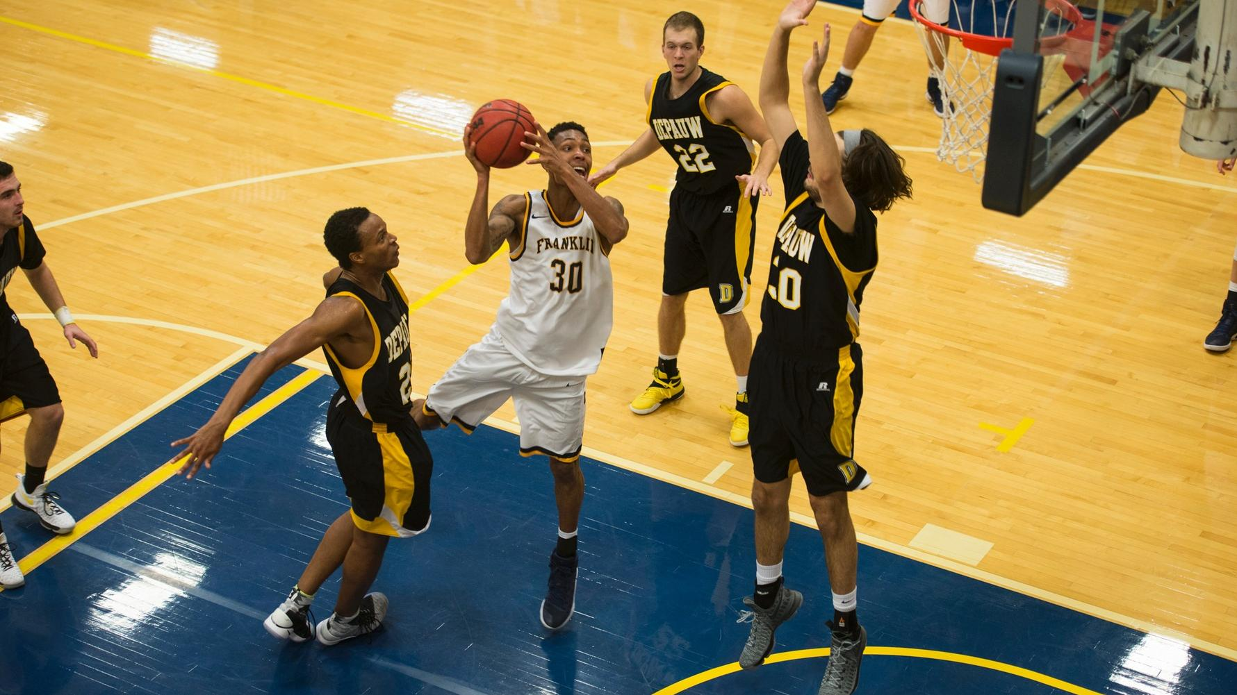 Men's Basketball Team To Host Hanover on Bankers Rivalry Night