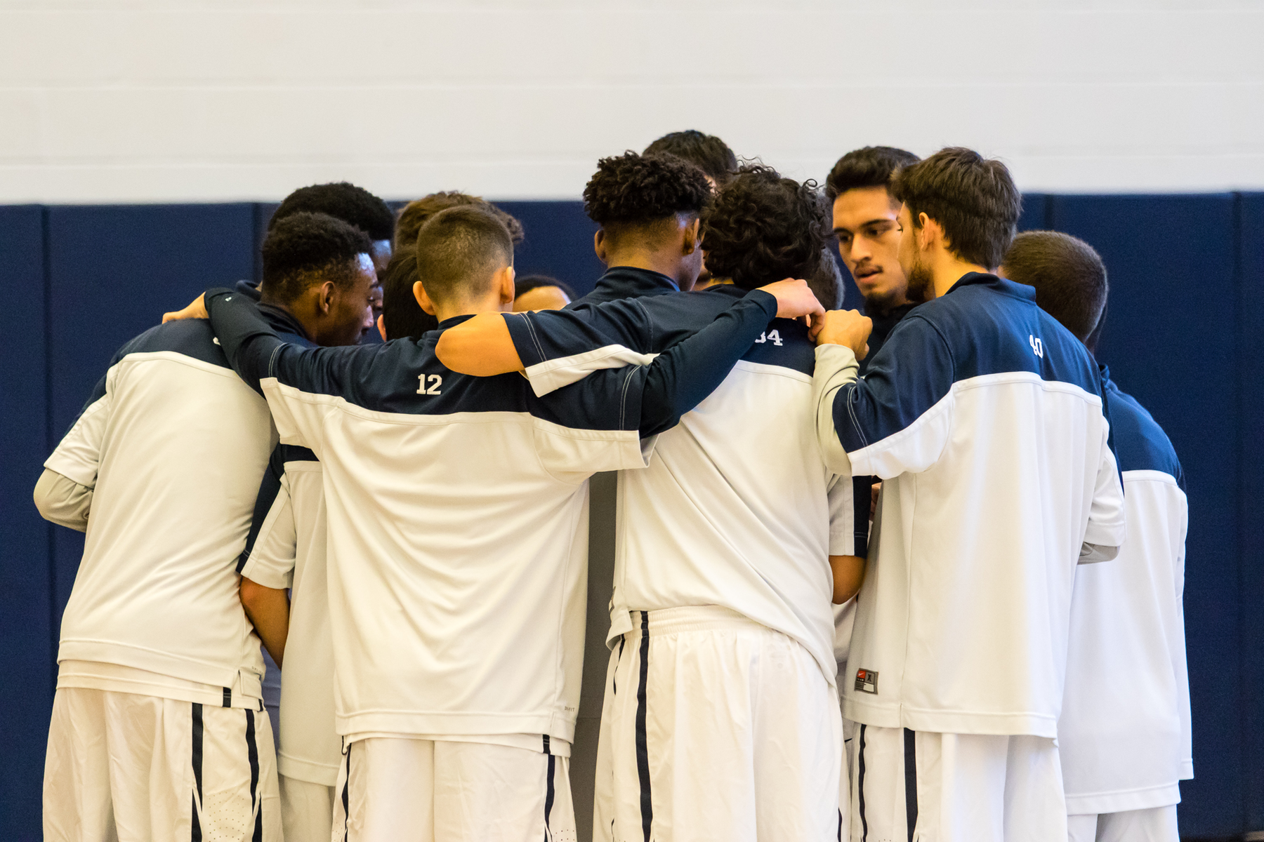 Men's Basketball Returns From Break At DeSales Tournament