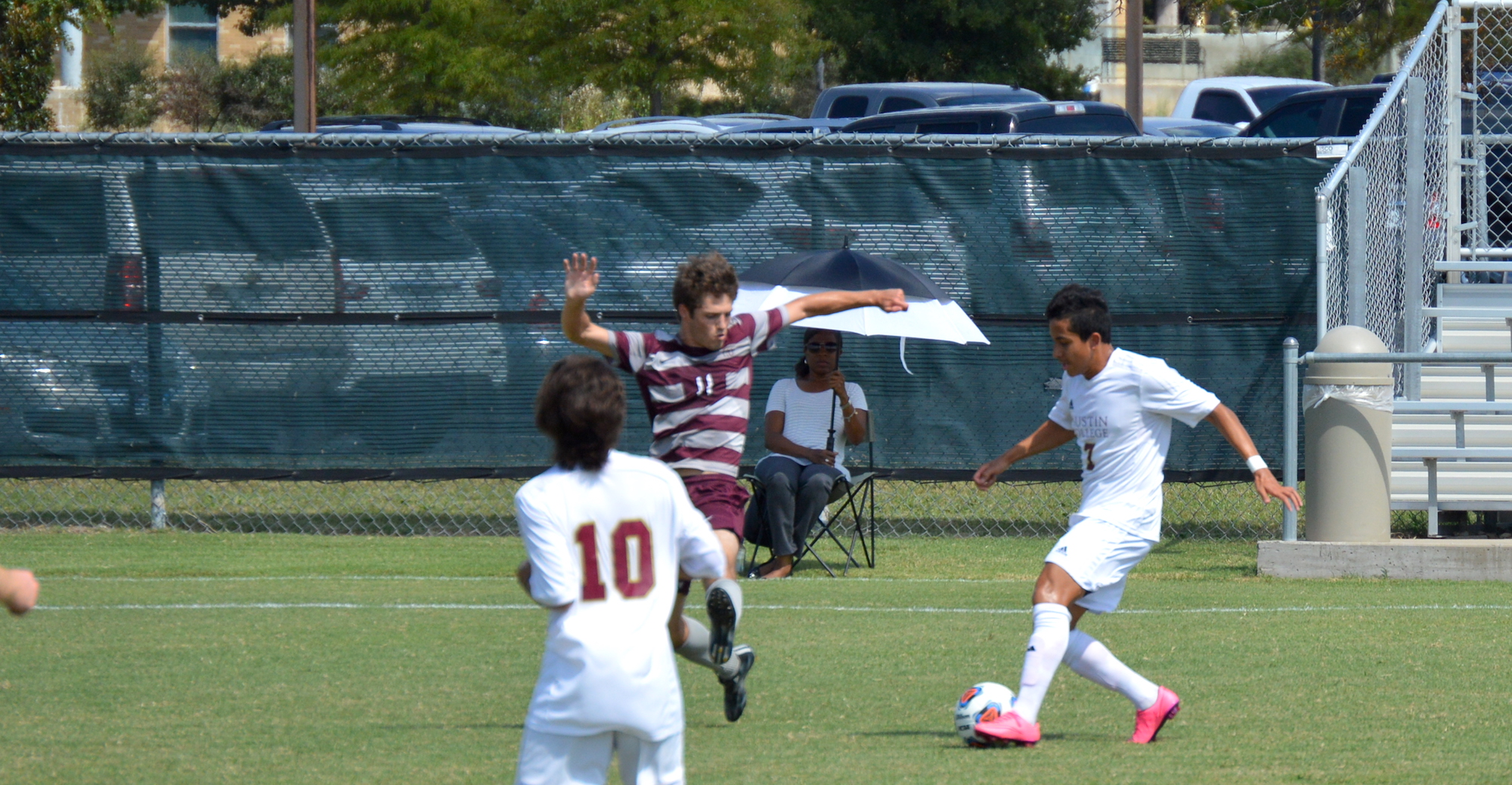 'Roo Men Knock Off Schreiner with Late Goal