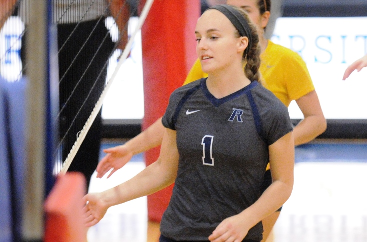Women's Volleyball: Regular Season comes to an end with Tri-Match split