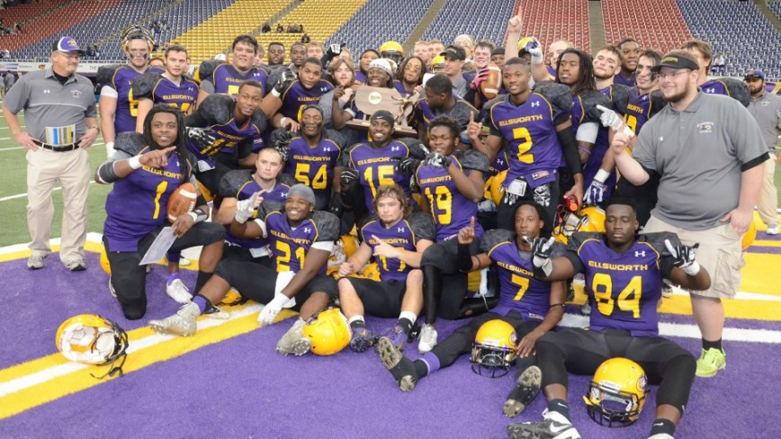 ECC football Graphic Edge Bowl team photo