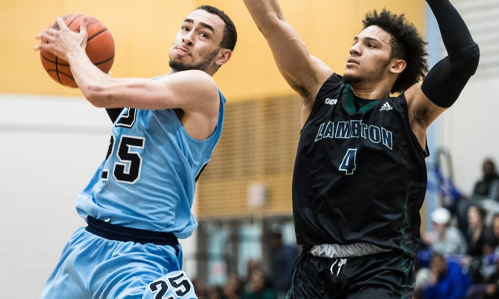 Men's basketball hold off Lambton in tightly-contested battle