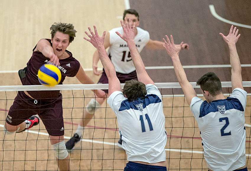 With enthusiasm, Jordan Krause unleashes one of his 17 kills against MRU on Friday night (Eduardo Perez photo).