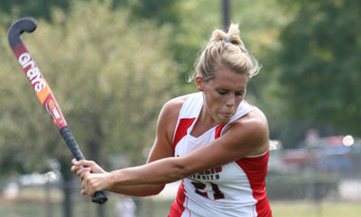 Offensive Barrage Lifts Field Hockey to 4-0 Win