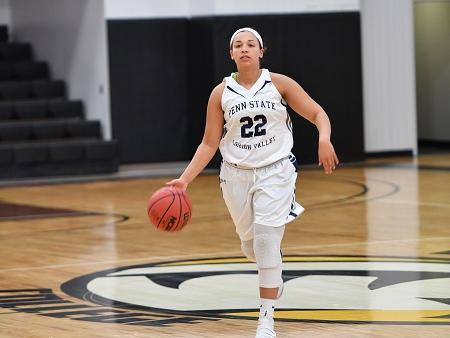 Women's Basketball Runs Past PSU York, 75-38.