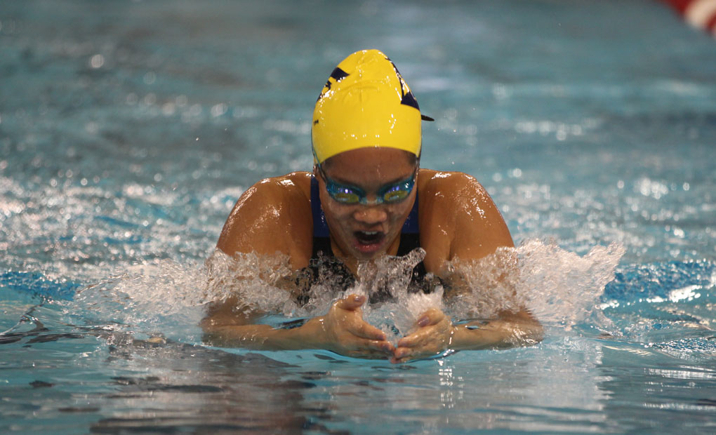 Gold Defeats Blue, 165-122, in Emory Women's Swimming & DIving Intrasquad Meet
