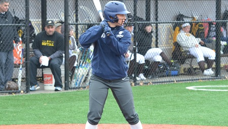 Sarah Miller's Two Home Runs Highlight CWRU Sweep Over Brandeis on Friday