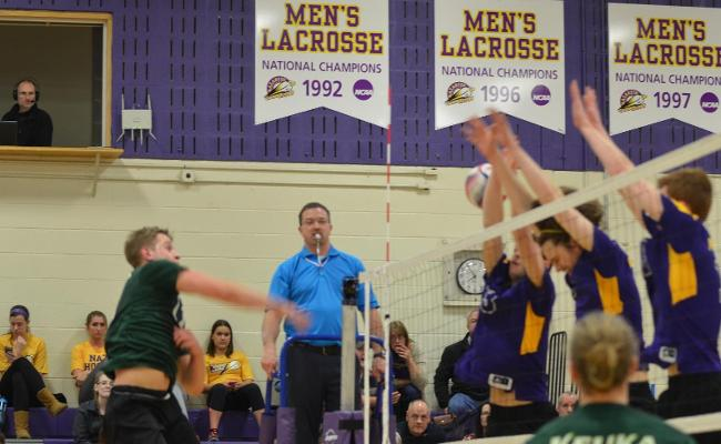 Men's Volleyball Falls at Nationally Ranked Nazareth