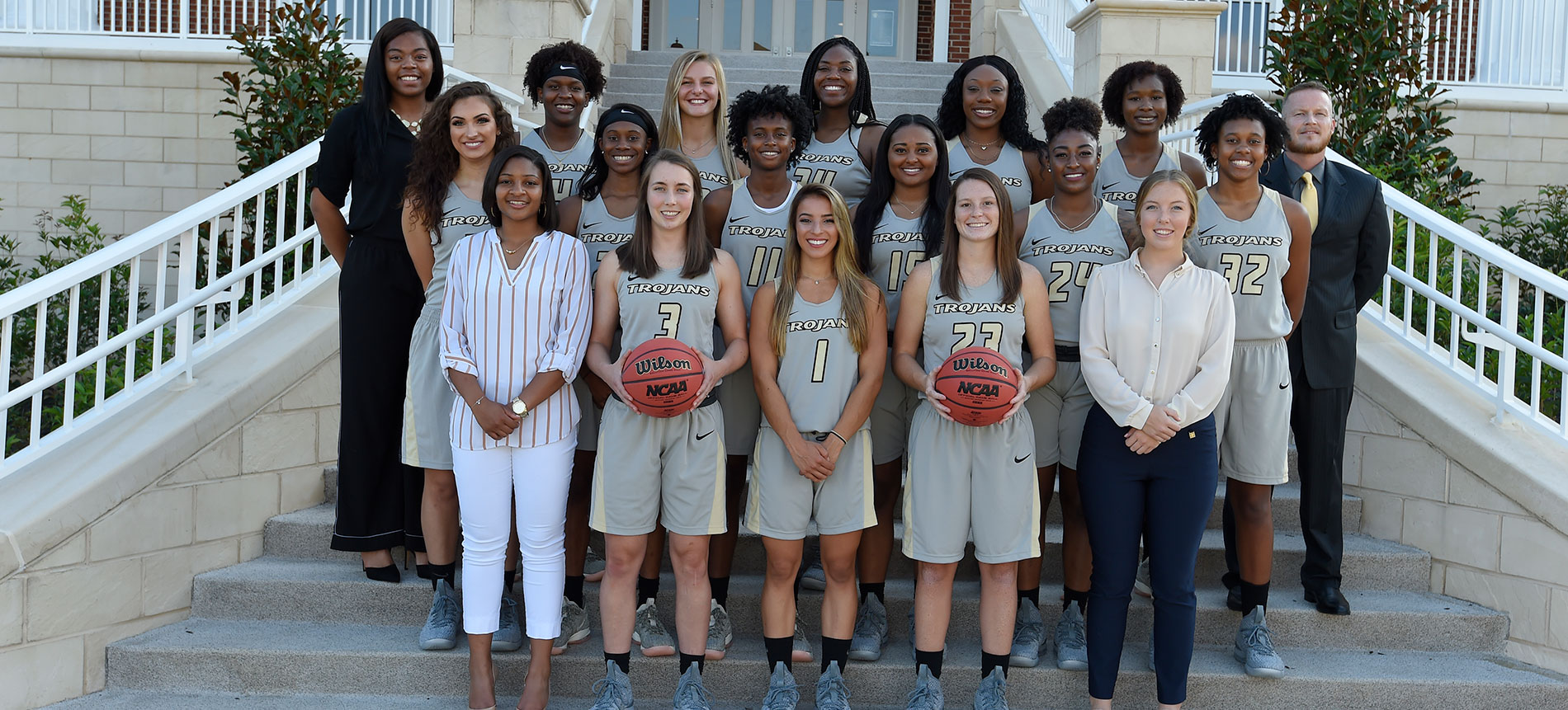 Women's Basketball Opens Up 2018-19 Season on Friday