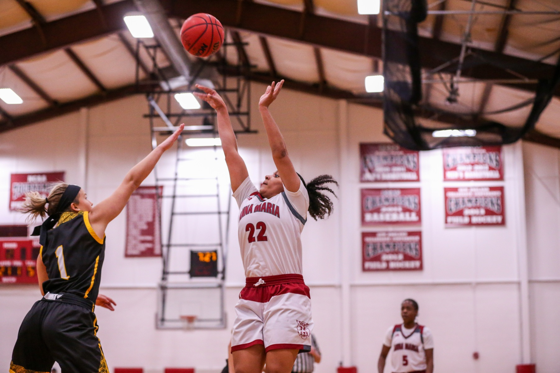 Women's Basketball Edged In Overtime By Becker, 64-60