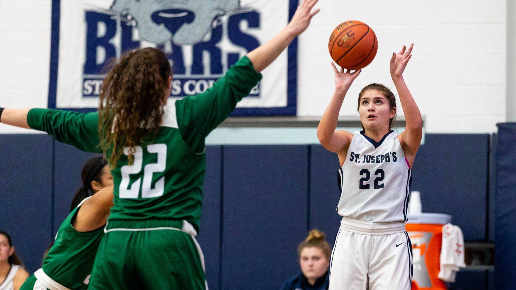 Women's Basketball Runs Away With 79-59 Win Over Farmingdale in League Opener