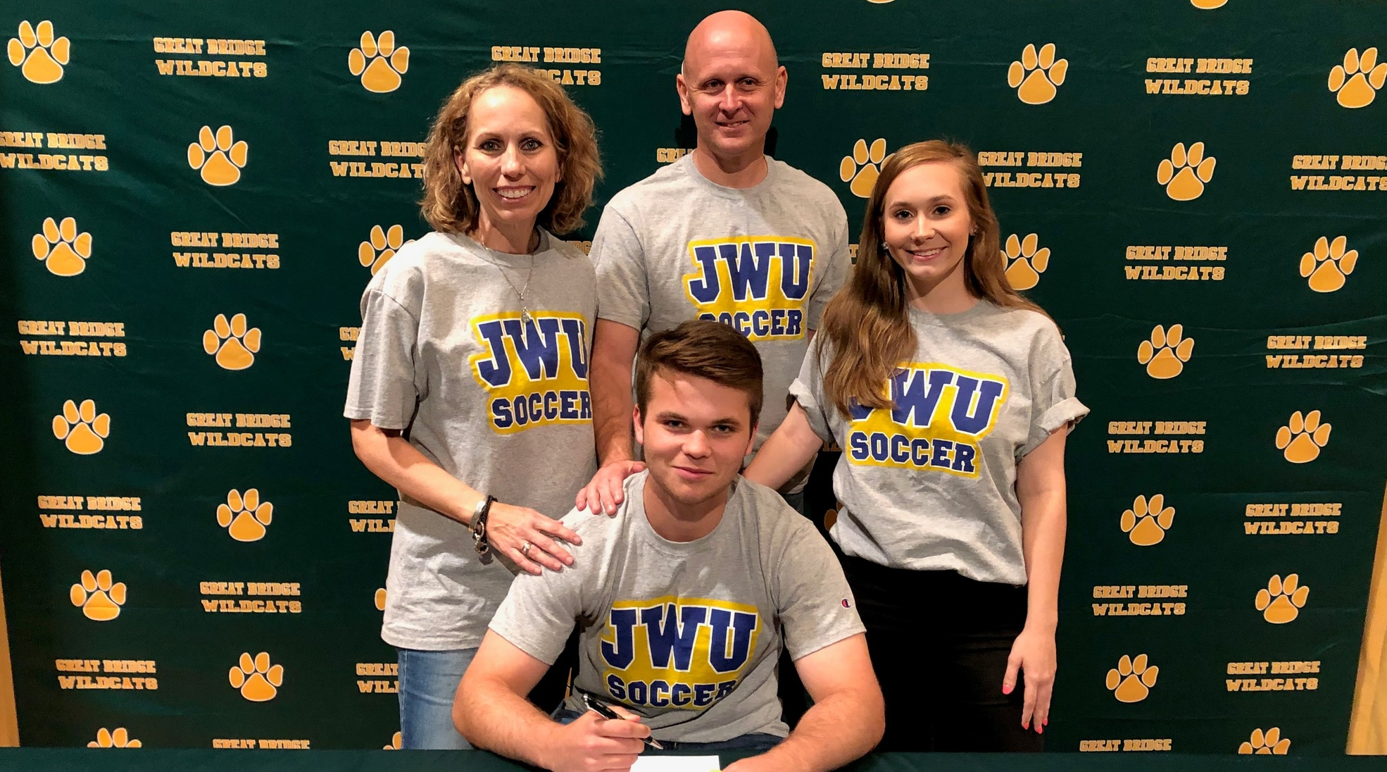 Men's Soccer Signs Great Bridge's Triplett