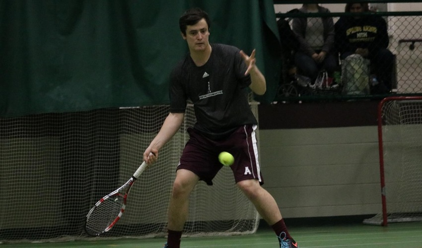 Men's tennis defeated by Lawrence Tech