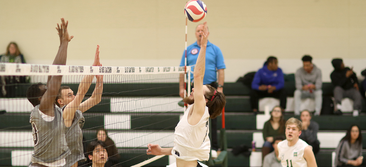 Volleyball drops pair on Saturday