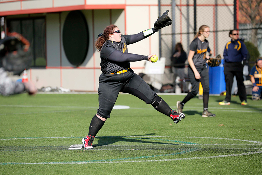 Softball Suffers Two Losses to Gordon