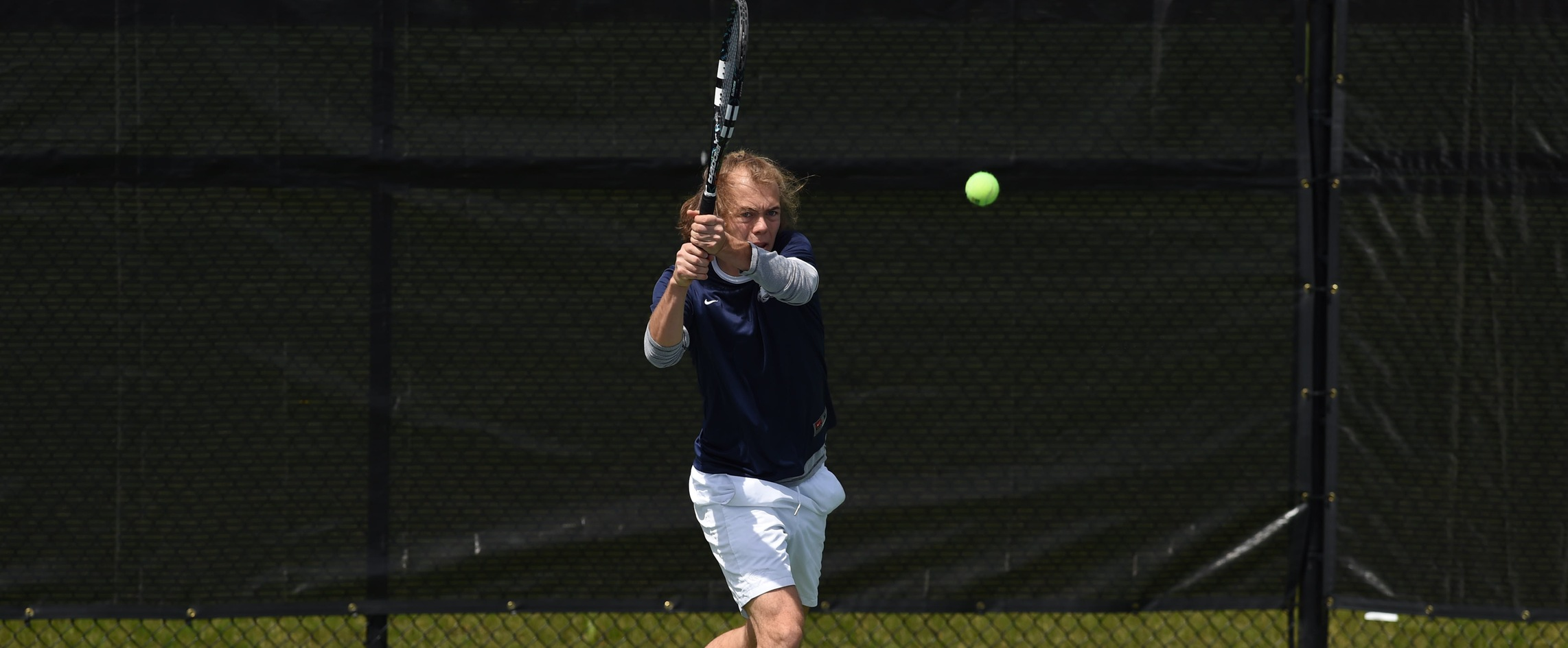 Men's Tennis Starts Season With a Sweep