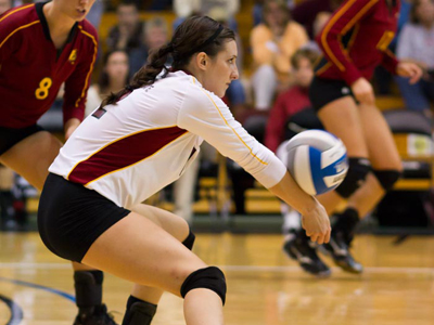 The Bulldogs fall in five at Wayne State despite Lisa Tobiczyk's career-high 28 digs. (Photo by Ben Amato)