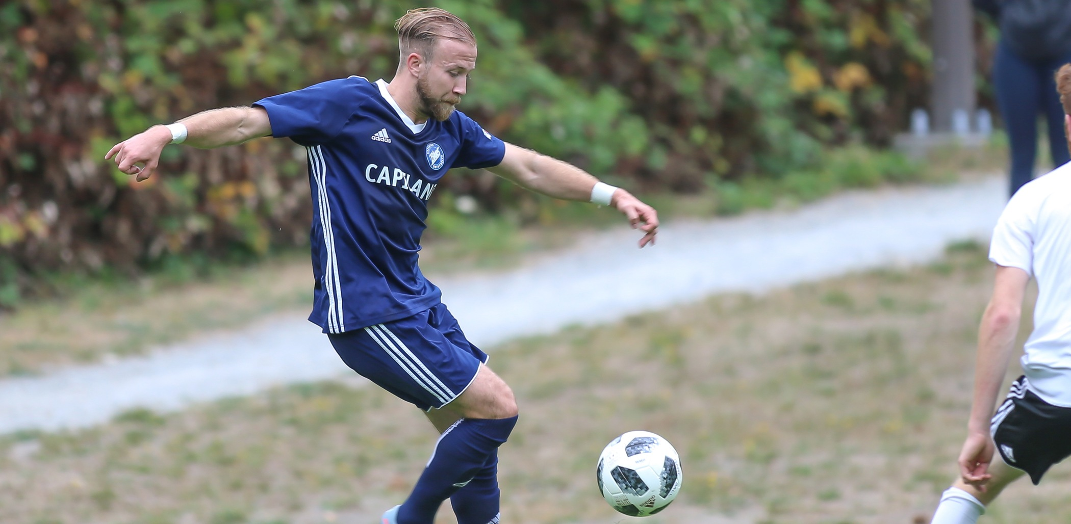 Fourth-year defender Andrew Shoring. Photo Paul Yates / Vancouver Sports Pictures