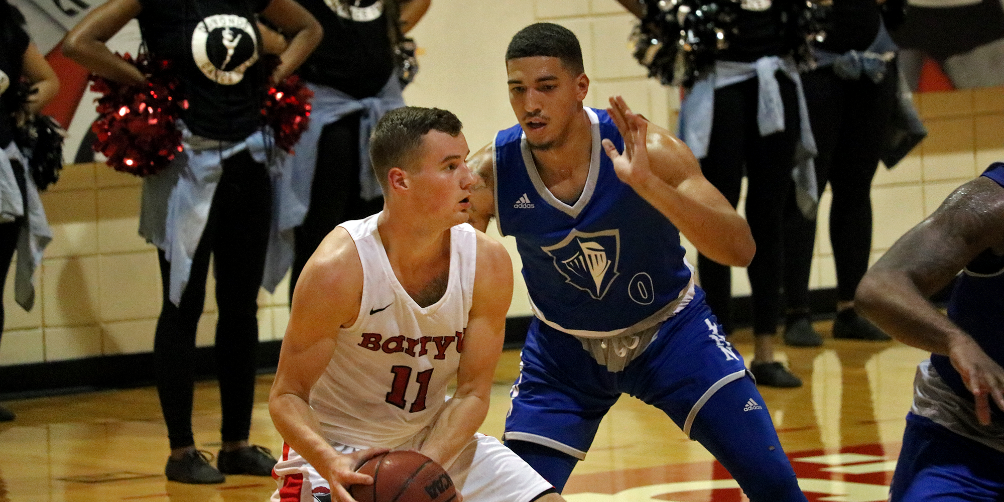 Rally Comes up Short for Men's Basketball at #19 Barry