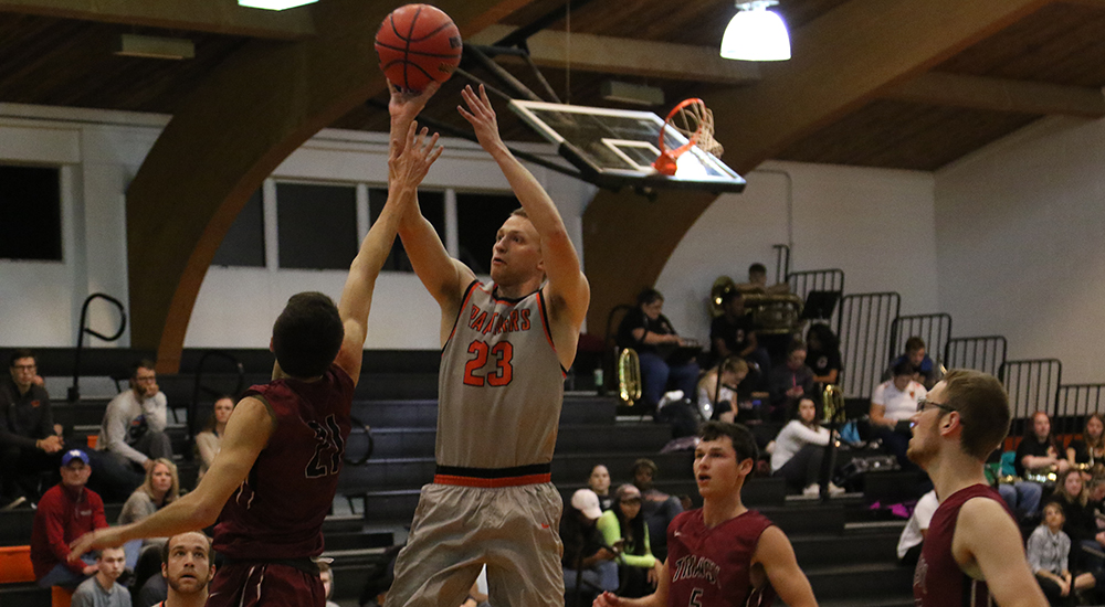 Men's basketball knocks off Transylvania