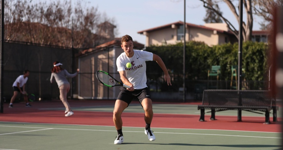 Men's Tennis Sweeps Marquette, 7-0, on Sunday
