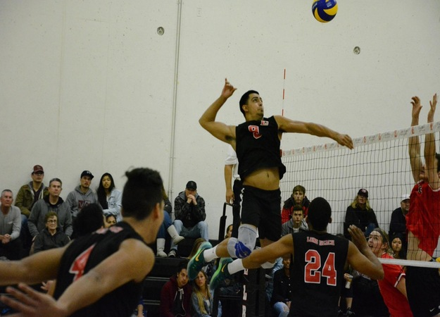 Sophomore middle blocker Victor Villarreal led the team with eight kills and three block assists. (Photo by Jocelyn Gonzalez)