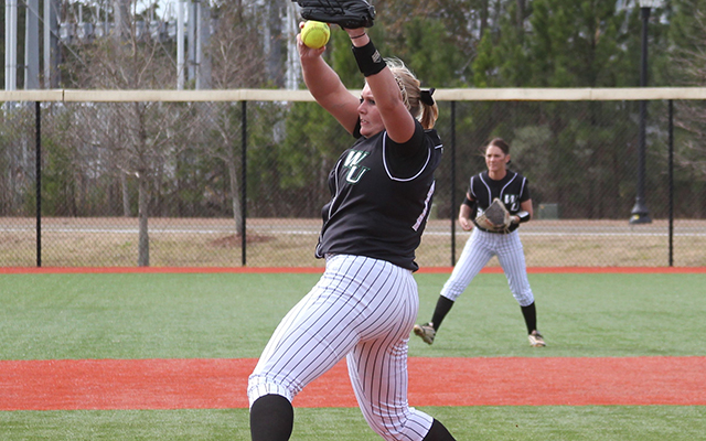 Wilmington Softball Captures First Victory of the 2016 Season, But Splits Saturday Games in Myrtle Beach