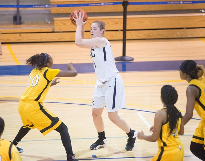 Iavarone Scores 1,000th Point in Women's Basketball's Rout of Medgar Evers