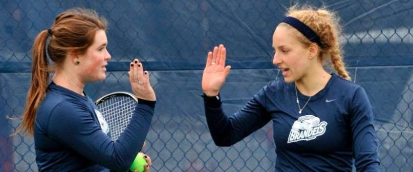 Carley Cooke '15 and Faith Broderick '13 (photo by Sportspix.biz/Jan Volk)