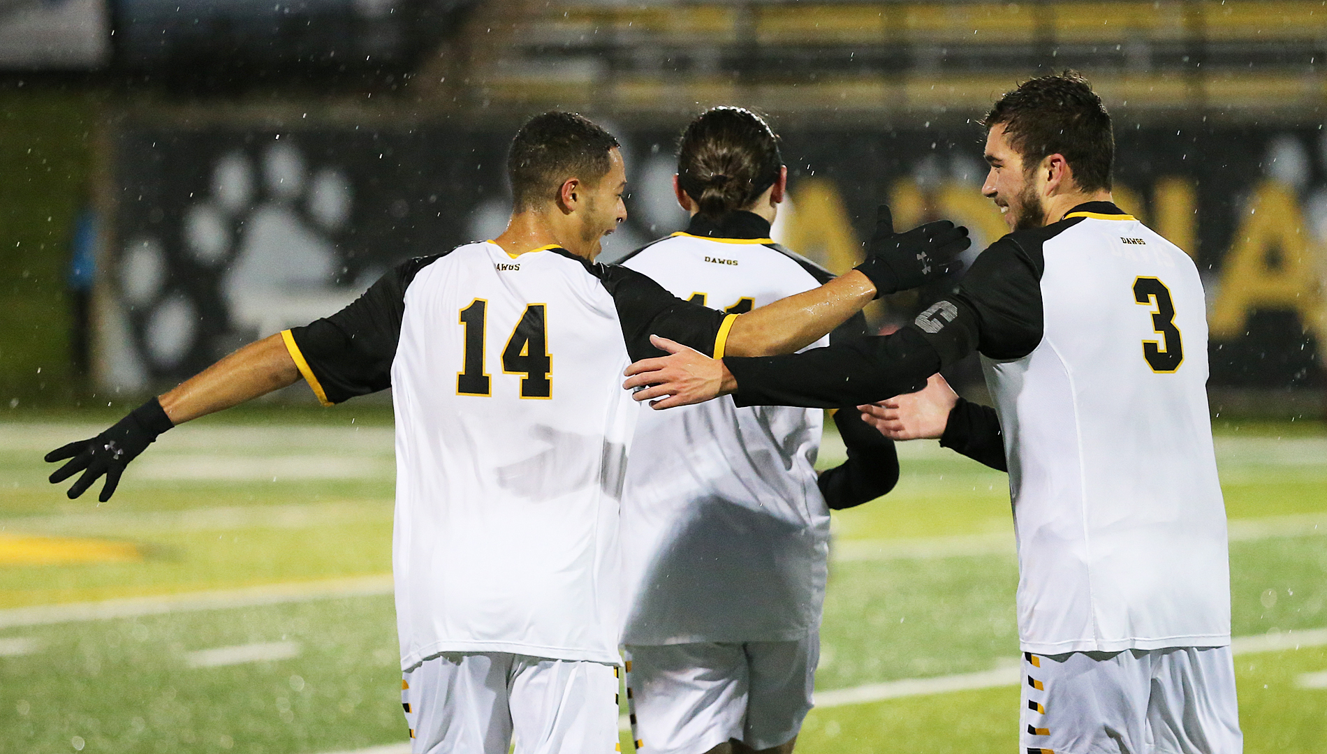 Bulldogs Silence Thunder in PK Shootout to Advance to Conference Final