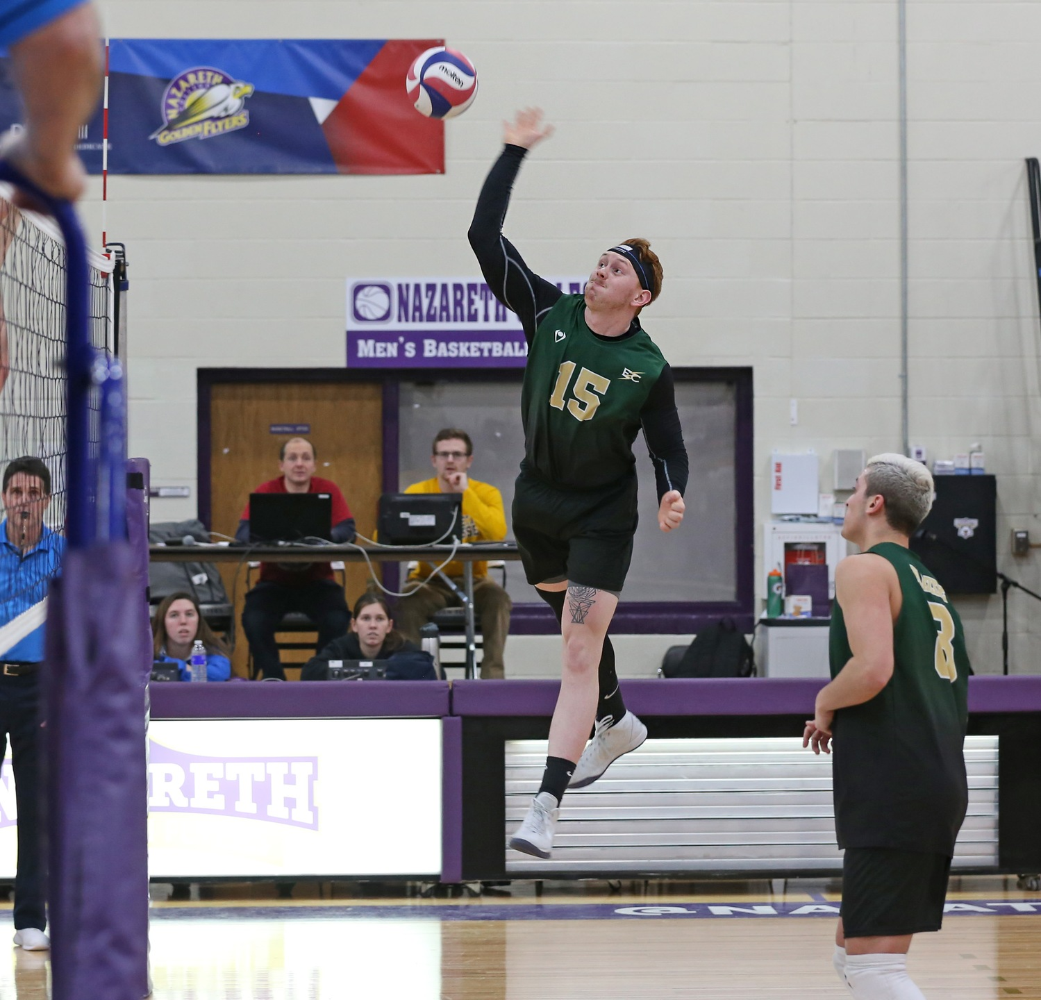 Men's Volleyball Wins in Straight Sets