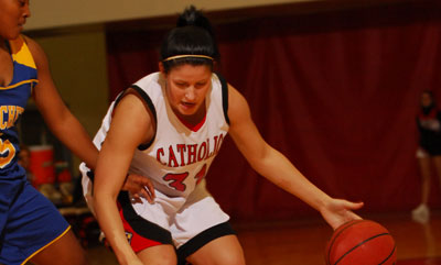 Women's Basketball Bounces Back, Outlasts Merchant Marine 67-62