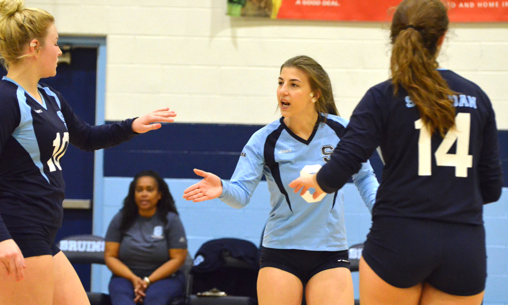 Women's volleyball cap first half with win at Mohawk