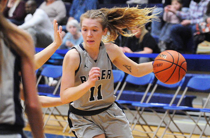 Women's Basketball: Raiders downed by Monks, 105-68