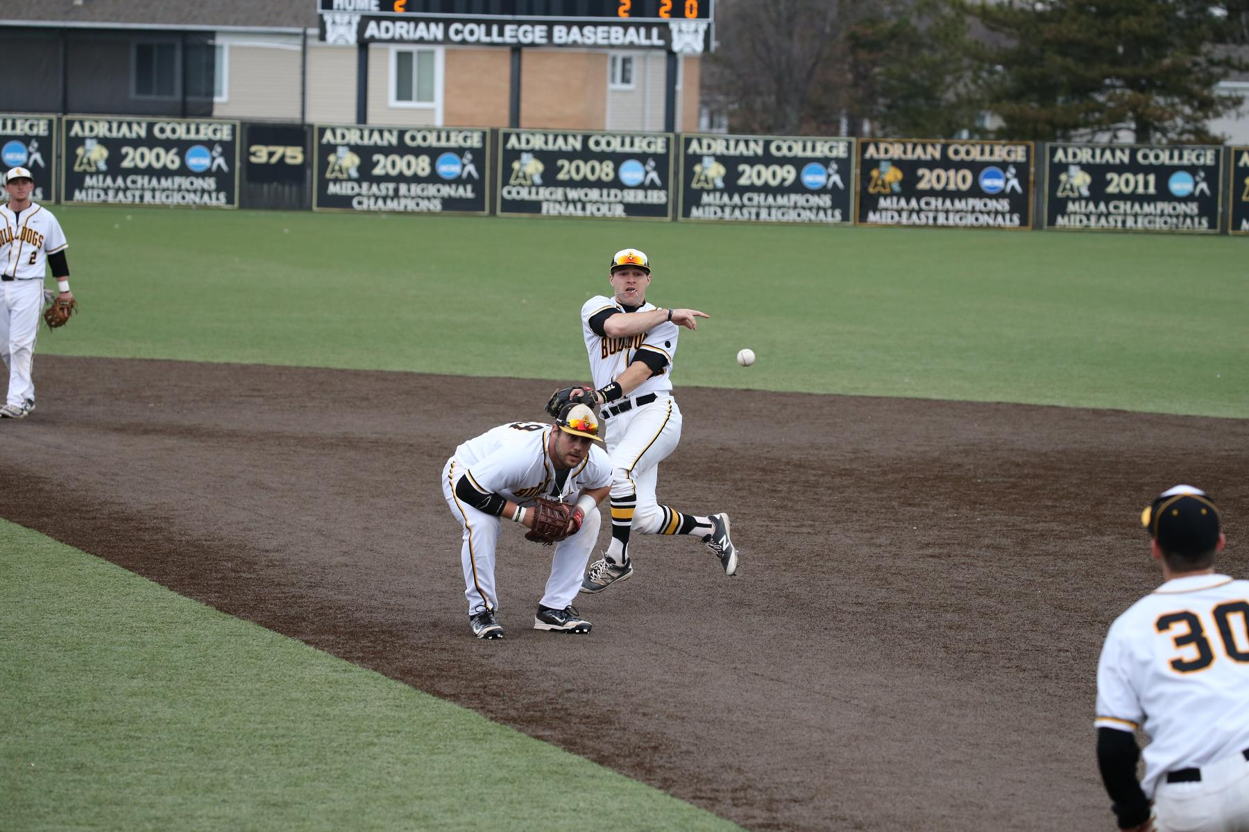 @AdrianBaseball Topples Nationally No. 3-Ranked Birmingham-Southern in Come-From-Behind 3-2 Win