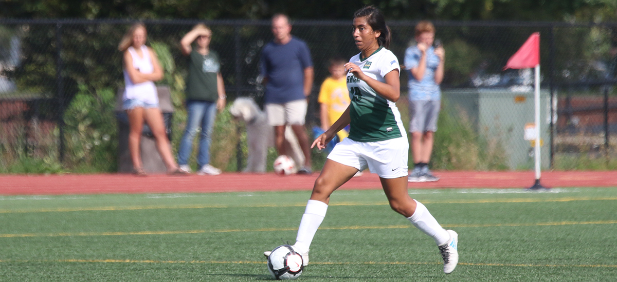 Gonzalez scores's first game winner as Gators beat Bard, 1-0