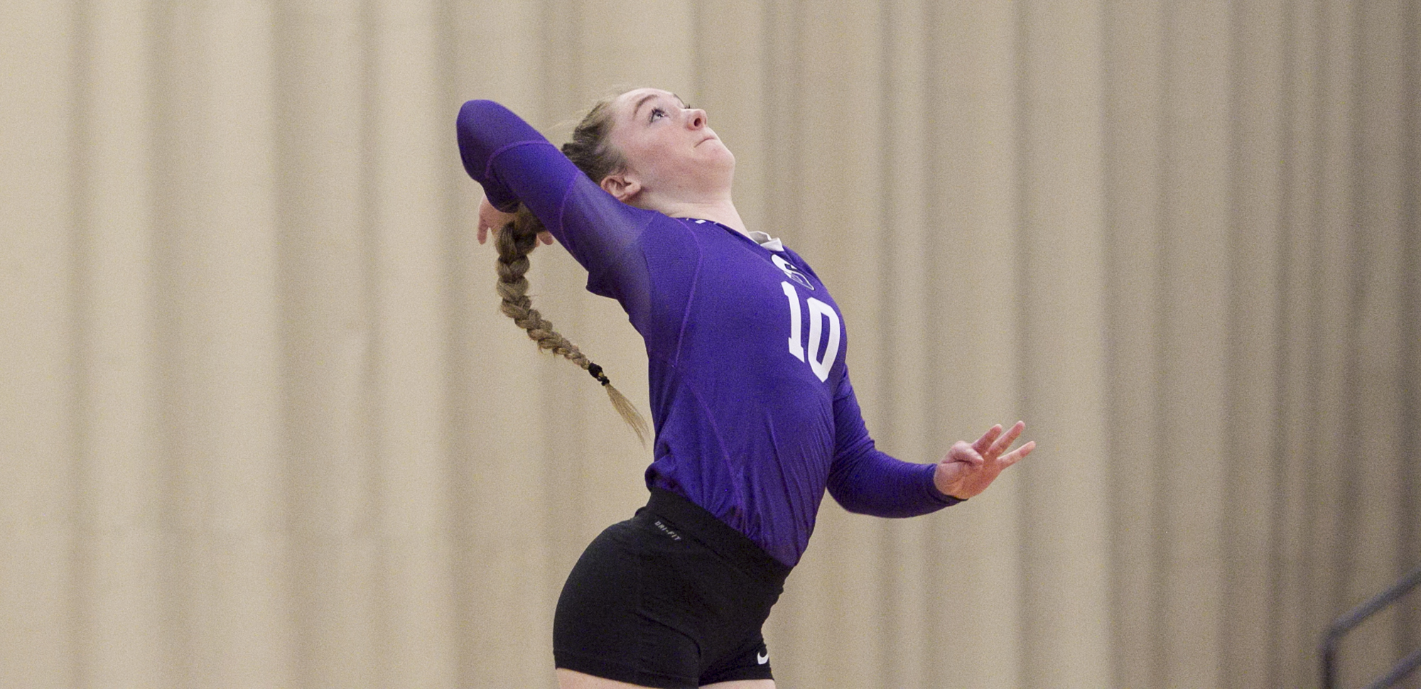 Molly Dunfee picked up a match-high 10 digs in Scranton's victory over Immaculata on Friday night at Immaculata.