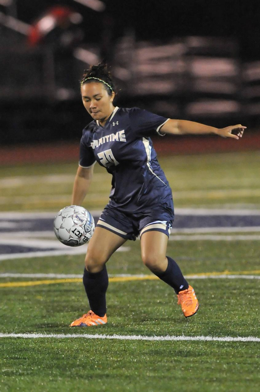 Levesque, Hunt Combine For 11 Saves As Women's Soccer Drops Non-League Decision At Curry