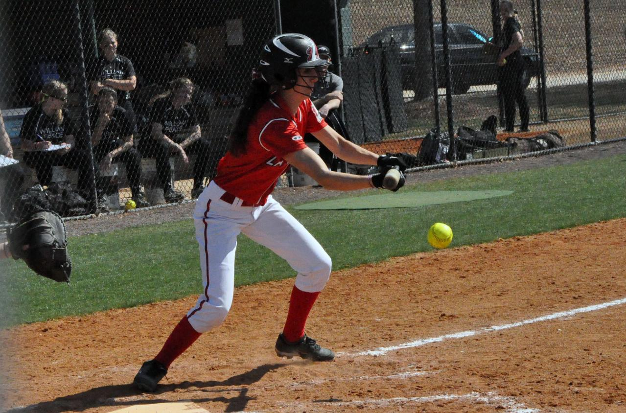 Softball: Panthers bounce back in second game to split with William Peace