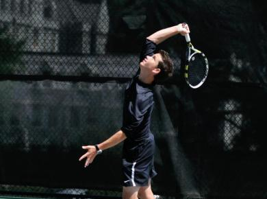 Men's Tennis Blitzes Berry, 9-0