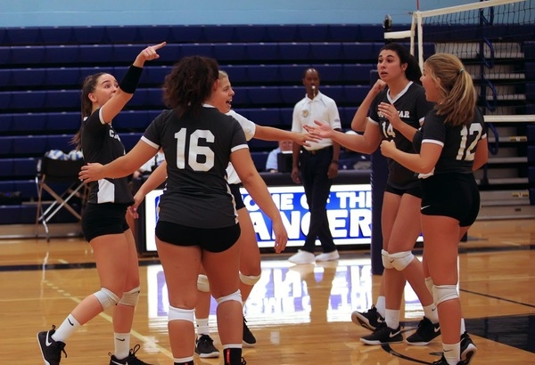 Volleyball Defeats Lenoir CC